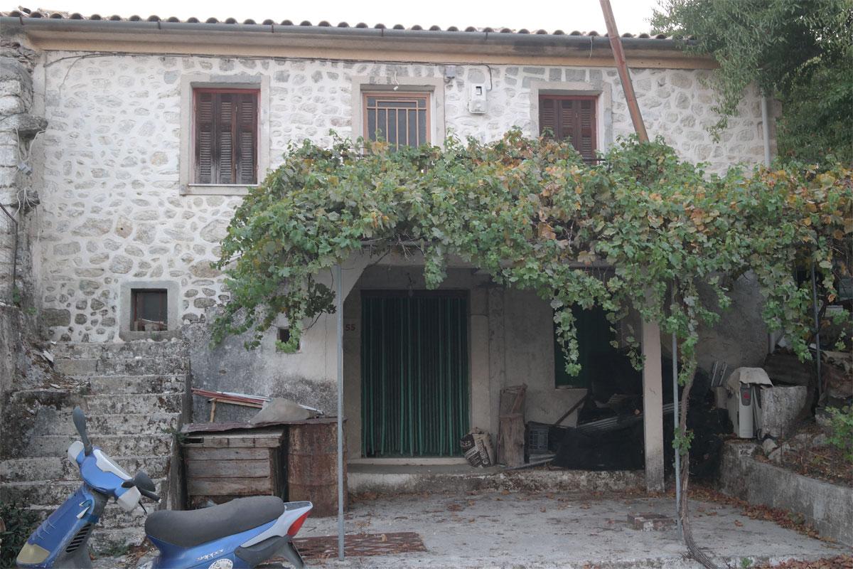 ΚΤ250 Stone House in Platistoma